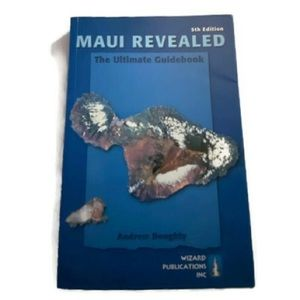Maui Revealed: Guidebook Paperback Doughty, Andrew